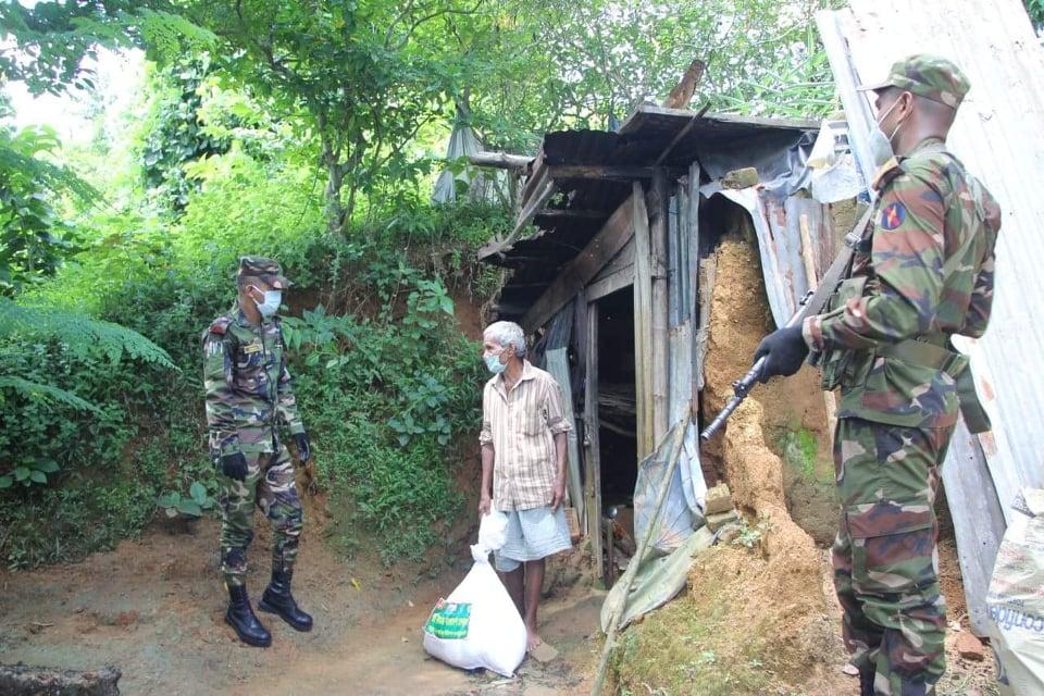 রাঙামাটিতে সেনাবাহিনীর ত্রাণ সহায়তা অব্যাহত