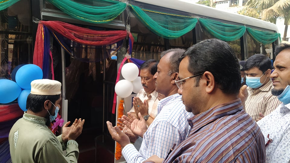 বান্দরবান সরকারি কলেজের শিক্ষকরা পেলেন বাস