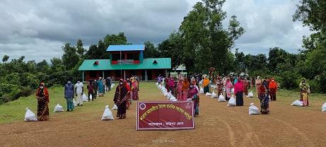 বাঘাইছড়িতে বিজিবি'র উদ্যোগে শিক্ষা উপকরণ ও খাদ্য সহায়তা